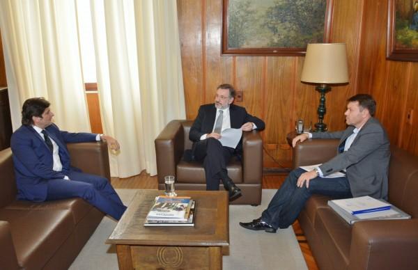 Deputado André conversa com prefeito Adriano Leite e secretário de Justiça, Márcio Elias Rosa