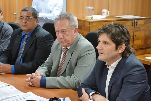 Deputado André do Prado acompanha reunião que aborda projeto de interesse turístico de Itariri