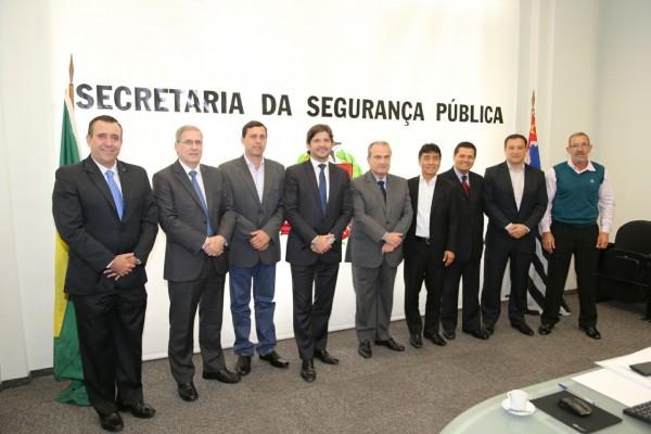 Reunião com o secretário de Estado da Segurança Pública e prefeitos das quatro cidades