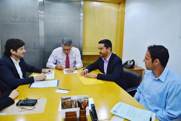 Reunião no DAEE com o superintendente, Ricardo Borsari