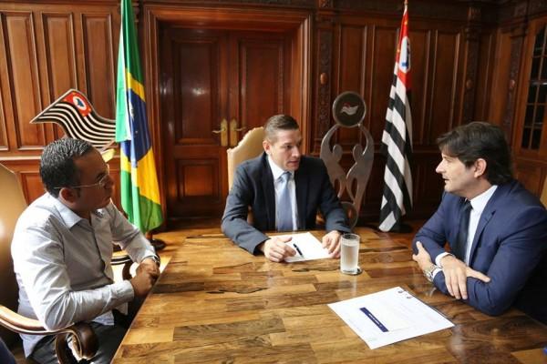 Em agendas intermediadas pelo deputado André do Prado, vereador Fábio Piloto tratou de solicitações para o Ciretran e melhorias ao esporte de Itirapina