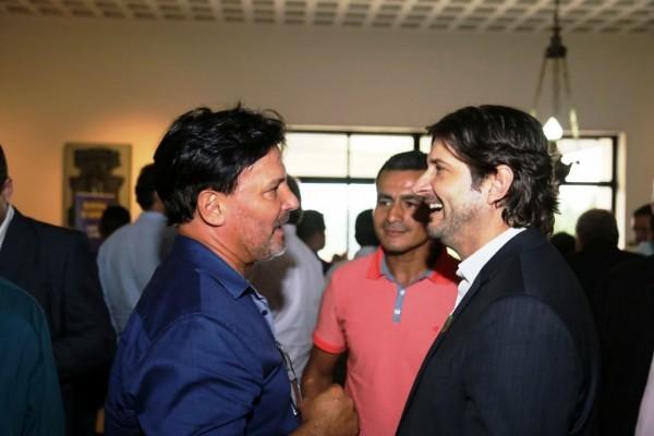 Deputado, prefeito JC e vereador Milton Ticaca conversam sobre recurso liberado para Pariquera-Açu