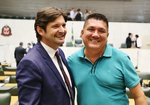 Deputado André do Prado e prefeito Dean Martins comemoram sanção do MIT de Sete Barras