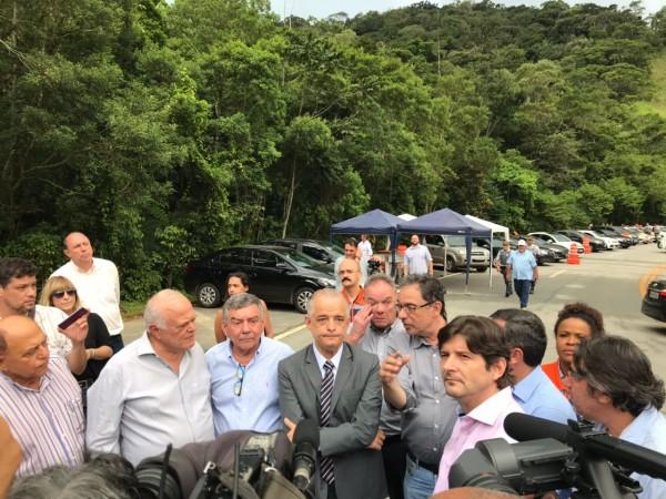 Deputado André do Prado participa da visita ao lado do governador Márcio França e do secretário de Logística, Mário Mondolfo.