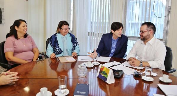 Deputado André do Prado e secretária de Desenvolvimento Social, Maria Aparecida Monteiro Rodrigues da Fonseca, solicitam a retomada da construção do Centro Dia do Idoso em Itaquaquecetuba