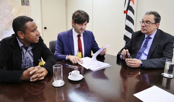 Deputado André do Prado solicita alça a bairros de Mairinque