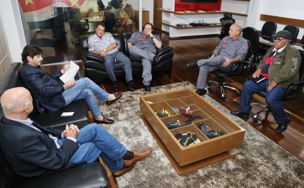 Deputado André do Prado vai ao Corpo de Bombeiros, pedir a instalação de um posto em Santa Isabel