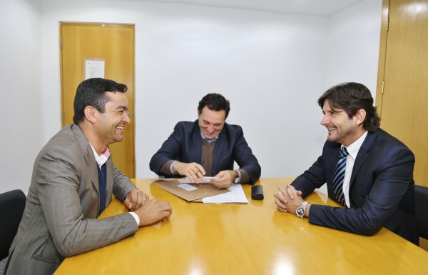 Superintendente do DAEE, faz projetos de melhorias em Salesópolis a pedido do deputado André do Prado e o prefeito, Vanderlon Gomes.