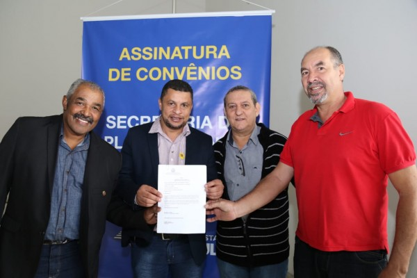 Intermediada pelo deputado André do Prado, Iporanga recebe recursos para infraestrutura na cidade