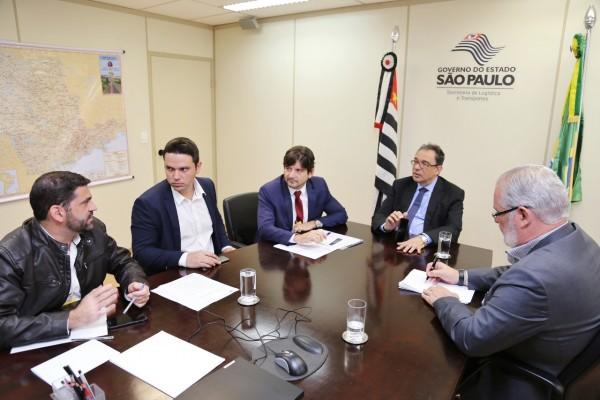Deputado André do Prado e vereador de Taubaté Guará Filho, pedem a revitalização na SP-62