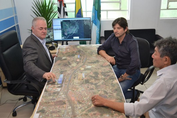 Intermediado pelo deputado André do Prado, Vargem Grande Paulista recebe R$ 1 milhão para recapeamento de doze ruas