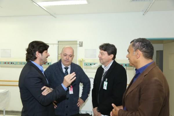 Deputado André do Prado, acompanhou o anúncio da ampliação dos atendimentos às crianças no Hospital Osiris Florindo Coelho, em Ferraz