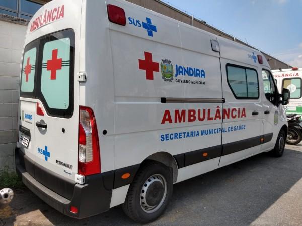 A ambulância destinada pelo deputado André do Prado, já está a serviço da população de Jandira