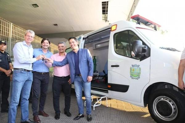 A nova frota de ambulâncias destinadas pelo deputado André do Prado já estão disponíveis em Jandira