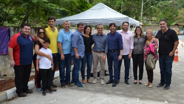 Em solenidade com a prefeita Fábia Porto e vereadores, parlamentar se comprometeu em destinar recursos para pavimentar a Rua Arujá no Recanto Alpina
