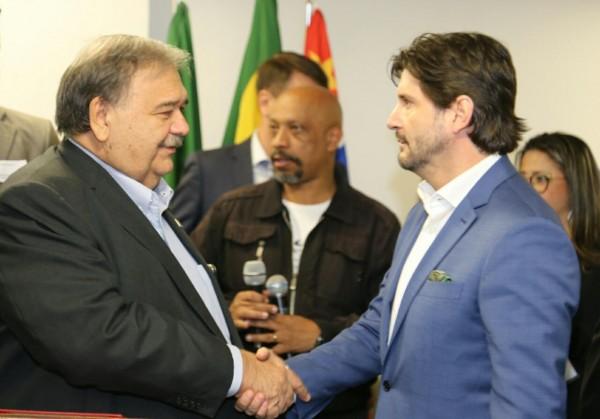 Deputado André do Prado acompanhou a visita do secretário de Estado da Saúde, José Henrique Germann, a Ferraz de Vasconcelos