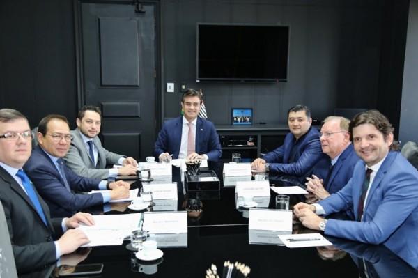 O deputado André do Prado participou da formalização do contrato feito pelo prefeito Rodrigo Ashiuchi no Palácio dos Bandeirantes com o governador interino, Rodrigo Garcia