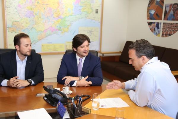 Deputado André e prefeito solicitam retomada imediata das obras
