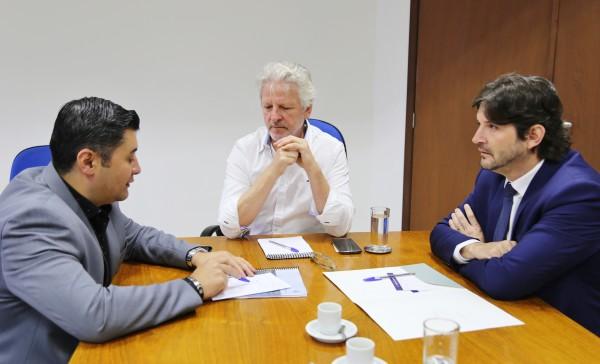 A reunião foi para tratar das melhorias na Rodovia Índio Tibiriça, em Suzano