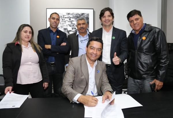 Com a presença do deputado André do Prado, Salesópolis assina convênio para o turismo local