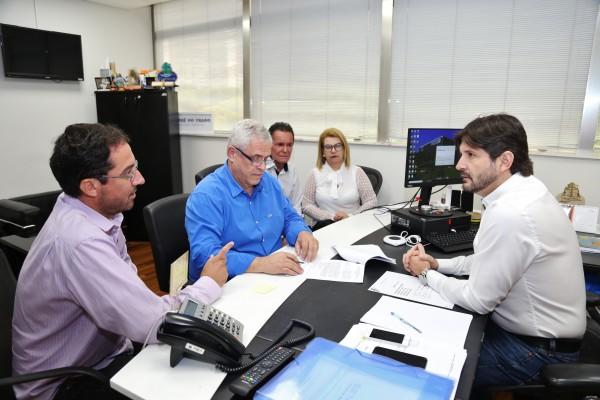 Emenda parlamentar do deputado André do Prado garante R$ 200 mil para recuperar rua em Santa Branca
