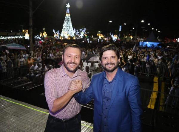 O deputado André do Prado prestigiou o evento ao lado do prefeito Adriano Leite